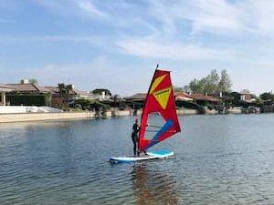 Lerne das Windsurfen in unserer Windsurfschule auf Albarella in Italien!